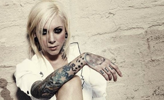 How tall is maria brink